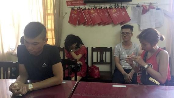 Các đối tượng thuê phòng karaoke chơi ma túy tại cơ quan Cảnh sát