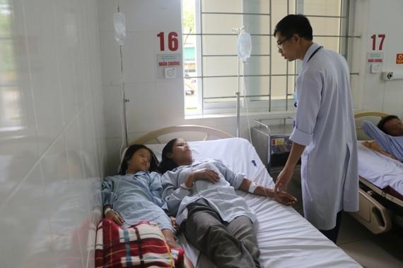 Các bệnh nhân đang được điều trị tại bệnh viện