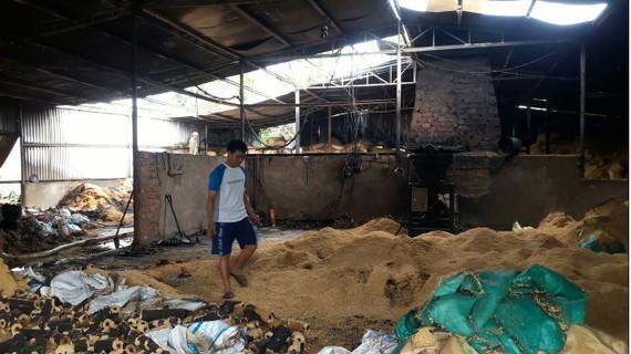 Hiện trường vụ cháy tại nhà xưởng