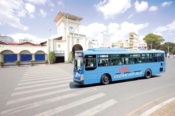 TPHCM đầu tư nhiều xe buýt sử dụng nhiên liệu sạch CNG để góp phần giảm thiểu ô nhiễm môi trường. Ảnh: PHAN LÊ