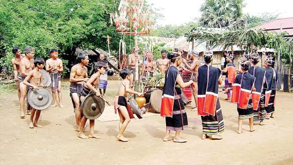 Lễ hội cầu mưa của người Xtiêng