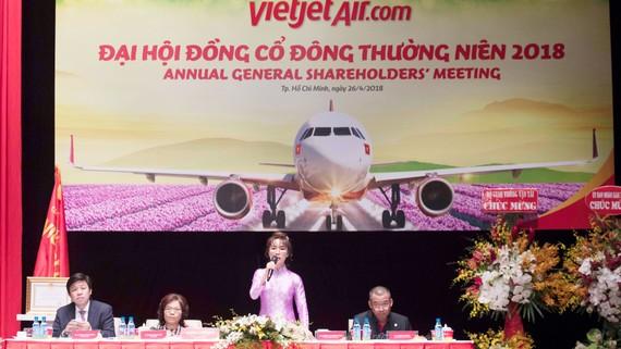 Đoàn Chủ tịch tham dự Đại hội đồng cổ đông thường niên năm 2018 của Công ty cổ phần Hàng không Vietjet