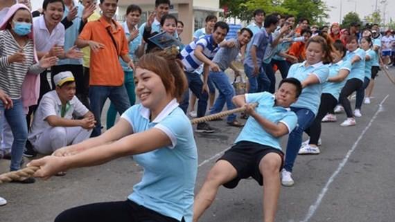 Theo đồng chí Võ Thị Dung, tổ chức công đoàn phải thể hiện vai trò là cầu nối quan trọng, sợi dây gắn kết giữa người lao động với người sử dụng lao động
