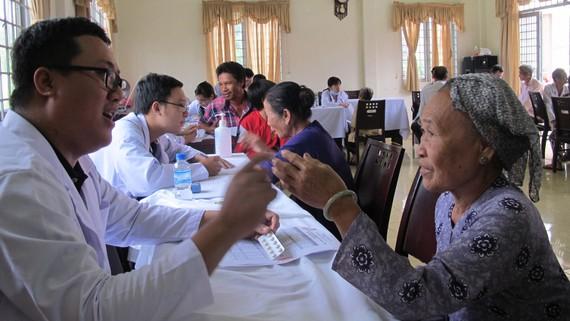 Tư vấn chăm sóc sức khỏe cho người dân
