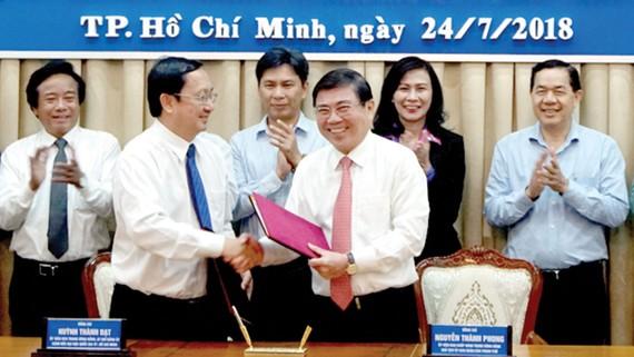 UBND TPHCM và Đại học Quốc gia TP ký kết hợp tác 8 chương trình trọng điểm