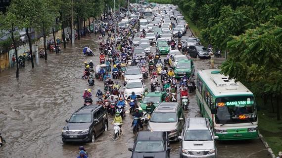 Ngập nước là một trong những vấn đề khiến người dân rất bức xúc