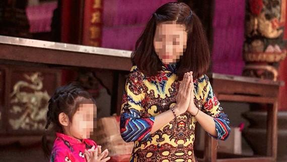 Một nữ diễn viên - người mẹ đơn thân và con gái