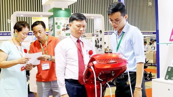 Triển lãm y tế quốc tế Việt Nam lần thứ 13