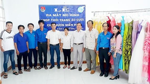 Lễ khai trương shop đồ cưới cho mượn miễn phí của xã An Bình A