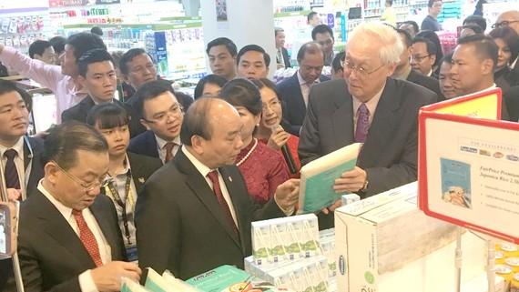 Hàng Việt Nam được tập đoàn NTUC FairPrice bày bán tại hơn 300 cửa hàng, siêu thị tại thị trường Singapore