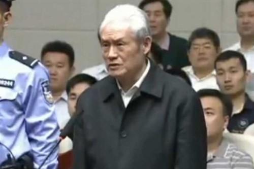 Ông Chu Vĩnh Khang tại phiên tòa ở Thiên Tân, tháng 6-2015