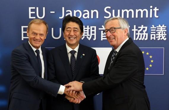Chốt hiệp định thương mại chiếm 1/3 GDP toàn cầu