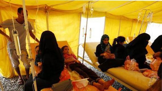 Bệnh nhân nhiễm tả điều trị tại một bệnh viện ở Sana'a (Yemen)