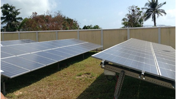 Các tấm panel năng lượng mặt trời tại Nháy máy điện mặt trời Côn Đảo