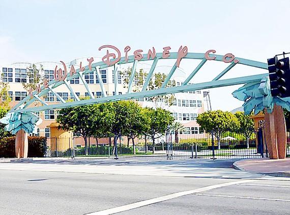 Walt Disney thưởng lớn cho nhân viên