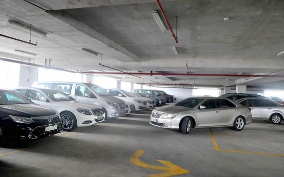 Một tầng đậu xe tại bãi xe 326 Võ Văn Kiệt, quận 1                                                            Ảnh: CAO THĂNG