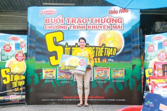 Trúng Quả bóng vàng hơn 110 triệu đồng cùng Hảo Hảo