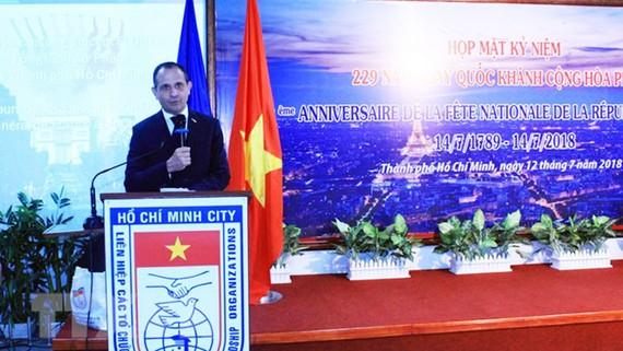 Ông Vincent Floreani, Tổng lãnh sự Cộng hòa Pháp tại Thành phố Hồ Chí Minh phát biểu tại buổi lễ. Ảnh: TTXVN