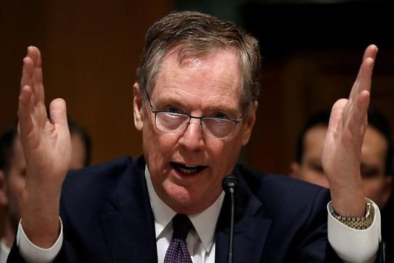 Đại diện Thương mại Mỹ Robert Lighthizer nói việc Mỹ đánh thuế lên hàng các nước là phù hợp các thỏa thuận quốc tế. Ảnh: REUTERS