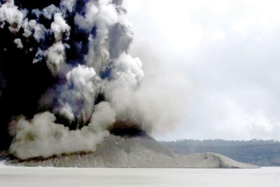 Núi lửa khiến Vanuatu tối đen