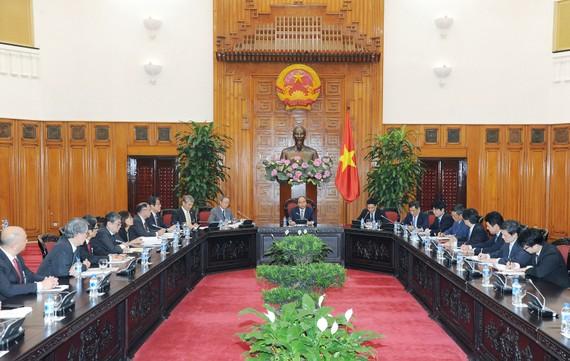 Thủ tướng Nguyễn Xuân Phúc tiếp đoàn đại biểu Liên đoàn Các tổ chức kinh tế Nhật Bản. Ảnh: VGP
