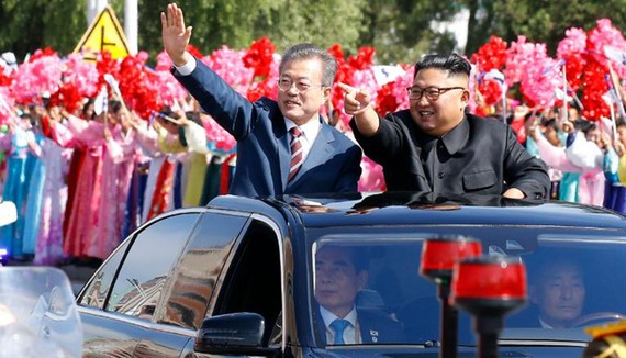 Hai nhà lãnh đạo Hàn Quốc và Triều Tiên tại thủ đô Bình Nhưỡng