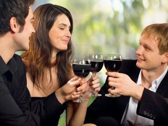 Giới trẻ châu Âu giảm uống rượu