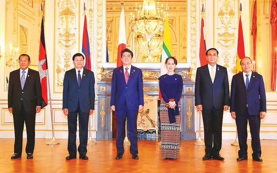 Thủ tướng Nguyễn Xuân Phúc cùng lãnh đạo các nước dự Hội nghị Cấp cao Hợp tác Mekong - Nhật Bản lần thứ 10  Ảnh: TTXVN