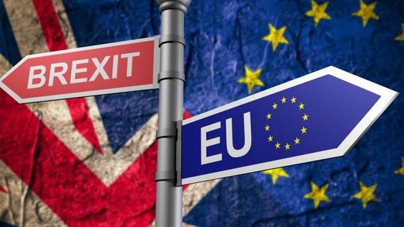 """Nước Anh đứng trước cuộc """"ly hôn"""" với EU. Ảnh: Times"""