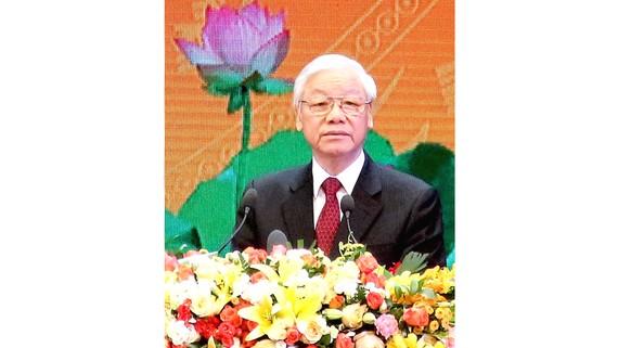 Tổng Bí thư Nguyễn Phú Trọng đọc diễn văn tại Lễ kỷ niệm 100 năm Cách mạng Tháng Mười Nga. Ảnh: LÃ ANH