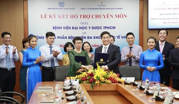 Bệnh viện Đại học Y dược TPHCM ký kết hợp tác với Bệnh viện Vinmec Nha Trang