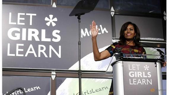 Bà Michelle Obama sắp ra mắt hồi ký