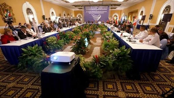 Hội nghị Bộ trưởng Quốc phòng UNASUR lần 7 tại Venezuela. Nguồn: EPA/TTXVN