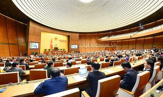 Toàn cảnh phiên bế mạc Kỳ họp thứ 5, Quốc hội khoá XIV. Ảnh: quochoi.vn