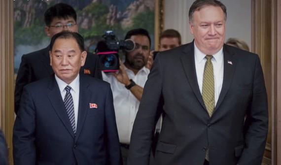 Ngoại trưởng Mỹ Mike Pompeo và Phó Chủ tịch Đảng Lao động Triều Tiên Kim Yong-chol. Ảnh: REUTERS