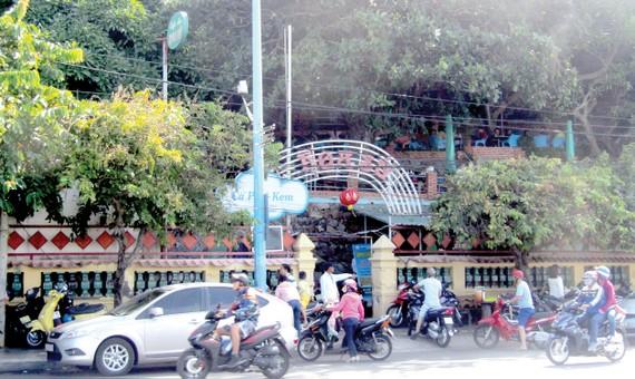 Các quán cà phê trong KDT Bạch Dinh