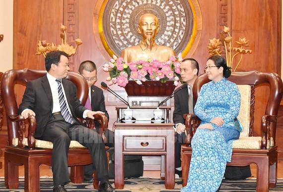 Đồng chí Võ Thị Dung - Phó Bí thư Thành ủy TPHCM tiếp Bí thư Trung ương Đoàn TNCS Trung Quốc Phó Chấn Bang. Ảnh: hcmcpv