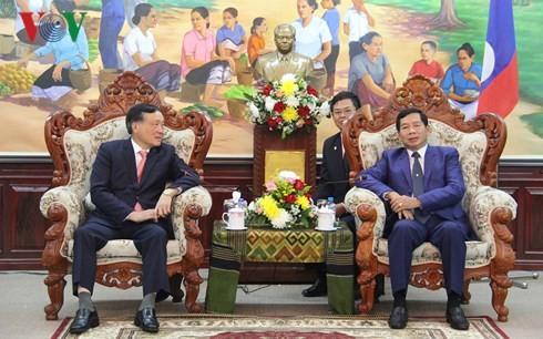 Chánh án Tòa án NDTC Lào tiếp Chánh án Tòa án NDTC Nguyễn Hòa Bình. Ảnh: VOV