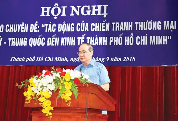 Bí thư Thành ủy TPHCM Nguyễn Thiện Nhân phát biểu tại hội nghị. Ảnh: NGUYỄN ĐÌNH