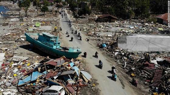 Tỉnh Trung Sulawesi của Indonesia tan hoang sau trận động đất, sóng thần hôm 28-9.