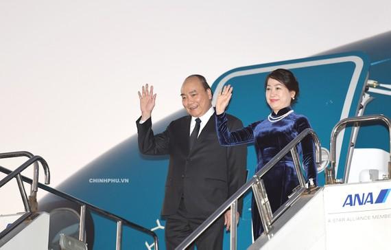 Thủ tướng Nguyễn Xuân Phúc, Phu nhân và Đoàn đại biểu cấp cao Việt Nam đã đến Thủ đô Tokyo, Nhật Bản. Ảnh: VGP