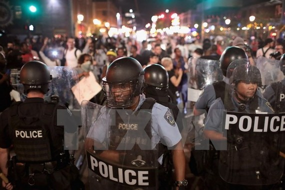 US police in St Louis on August 16 (Photo: VNA)