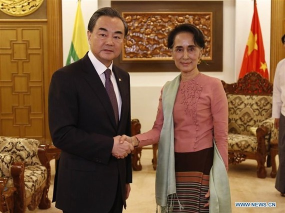 China's Foreign Minister Wang Yi (L) ​and Myanmar's State Counsellor Aung San Suu Kyi (Source Xinhua)