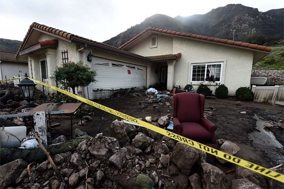 Mudslides demolished homes in southern California and killed at least 13 people. – AFP/VNA Photo