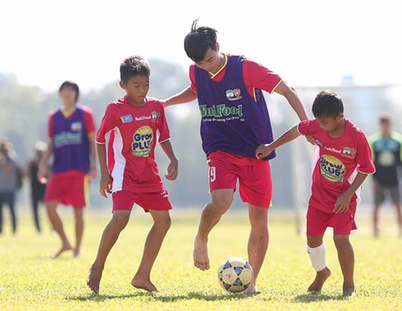 Children aged 6-15 will be trained at the CV9 football academy -Photo: SGGP