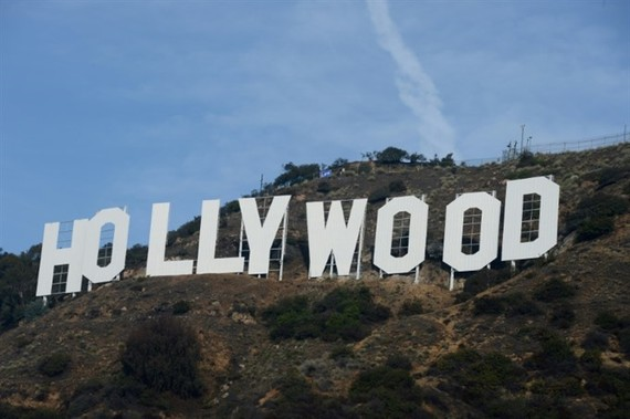 Warner Bros. plans $100 mn cable car to Hollywood sign