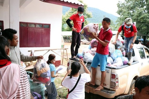 Crowded evacuation centres on alert for disease outbreaks