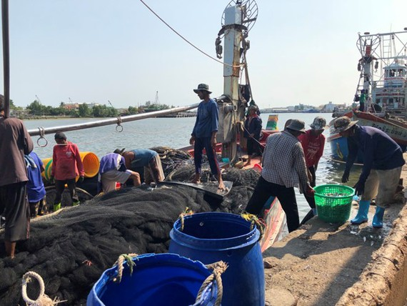 hailand's Labour Minister Adul Saengsingkaew plans to invite officials from Cambodia, Laos, Myanmar, and Vietnam, to discuss cooperation on migrant worker employment in order to deal with the shortages of labour in Thailand's fishing industry (Source: nwn