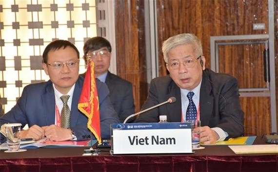 Vietnamese Deputy Defence Minister Sen. Lieut. Gen Nguyen Chi Vinh (R) at the event (Source: VNA)