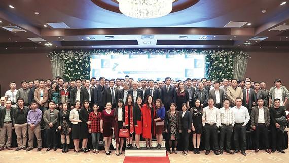 Công ty CP Tập đoàn xây dựng Hòa Bình gặp mặt 200 nhà thầu phụ khu vực miền Bắc và miền Trung